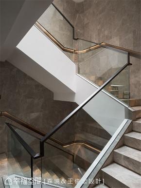 装修设计 装修完成 别墅 奢华风格 楼梯图片来自幸福空间在1089平,淬炼光域 凝铸非凡之家的分享