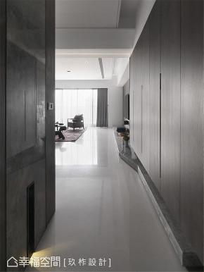 玄关图片来自幸福空间在149平, 现代简约宁静私宅的分享