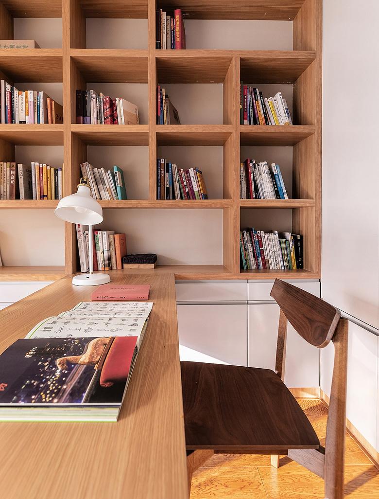 书房图片来自家装大管家在静谧穿越 138平混搭中式雅致3居的分享
