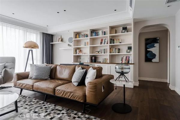 有效善用每寸空间,透过简单却不简单的设计,为屋主擘划暖如日光的未来生活。