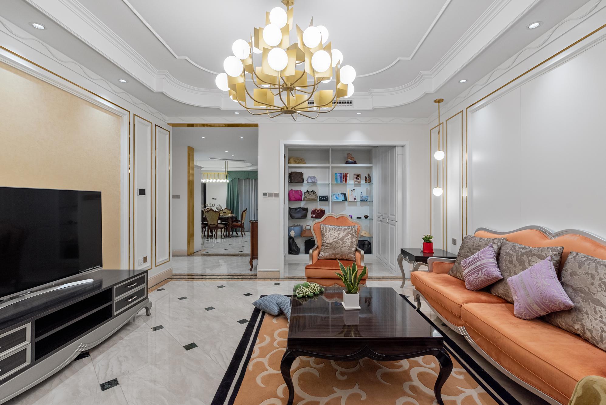 简约 欧式 混搭 别墅 收纳 80后 小资 客厅图片来自林上淮·圣奇凯尚装饰在爱家有故事·轻奢新贵的分享