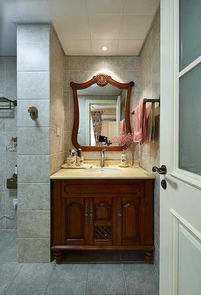 卫生间图片来自家装大管家在休闲浪漫世界 116平简约美式3居的分享