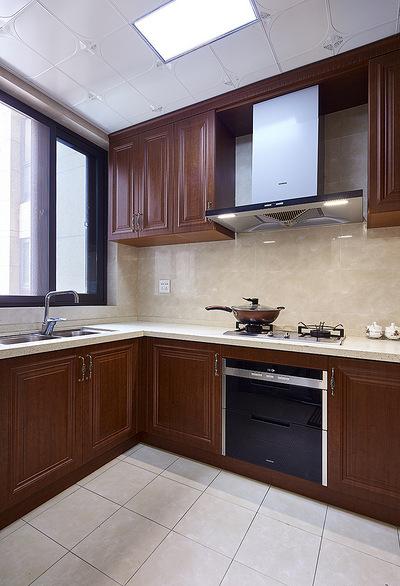 厨房图片来自家装大管家在149平美式温馨3居 随性舒适生活的分享