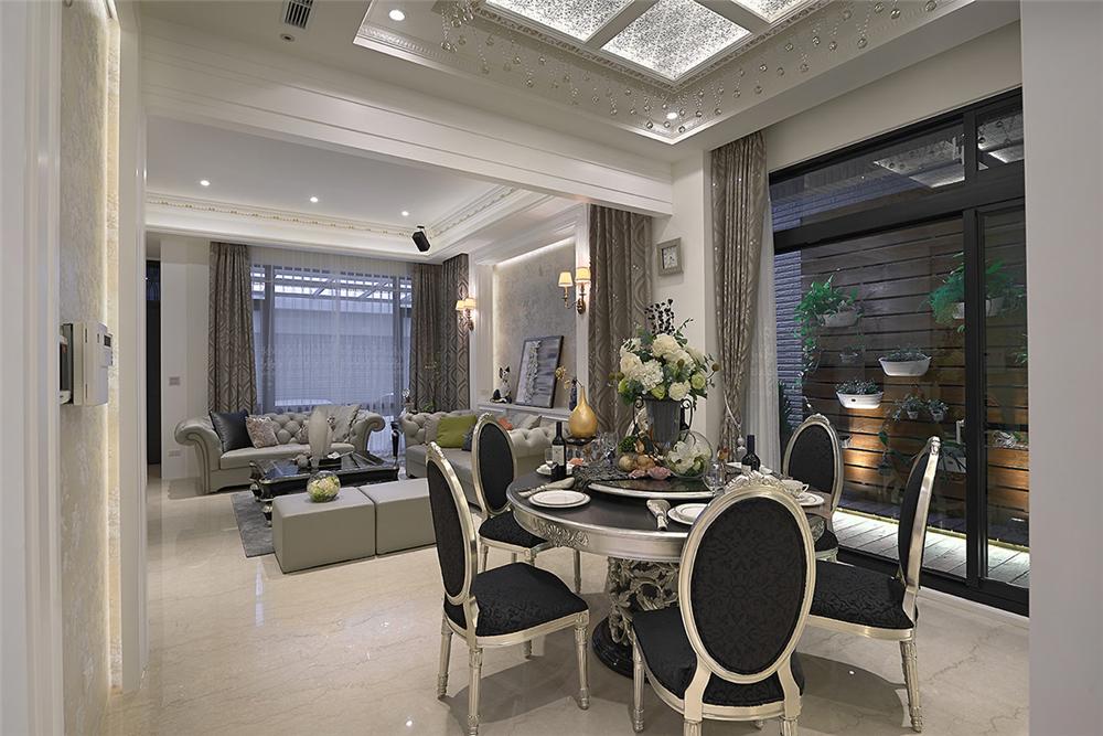 装修设计 装修完成 新古典 餐厅图片来自幸福空间在281平,轻奢感新古典别墅的分享