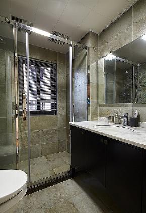 卫生间图片来自家装大管家在123平简洁现代3居 实用精致生活的分享