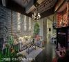 自宅CAFÉ 挑高的天花、文化石墙、壁炉与木质地板,摩登雅舍室内装修设计为喜爱连锁咖啡店的外籍男屋主创造出属于他的舒适自宅CAFE。