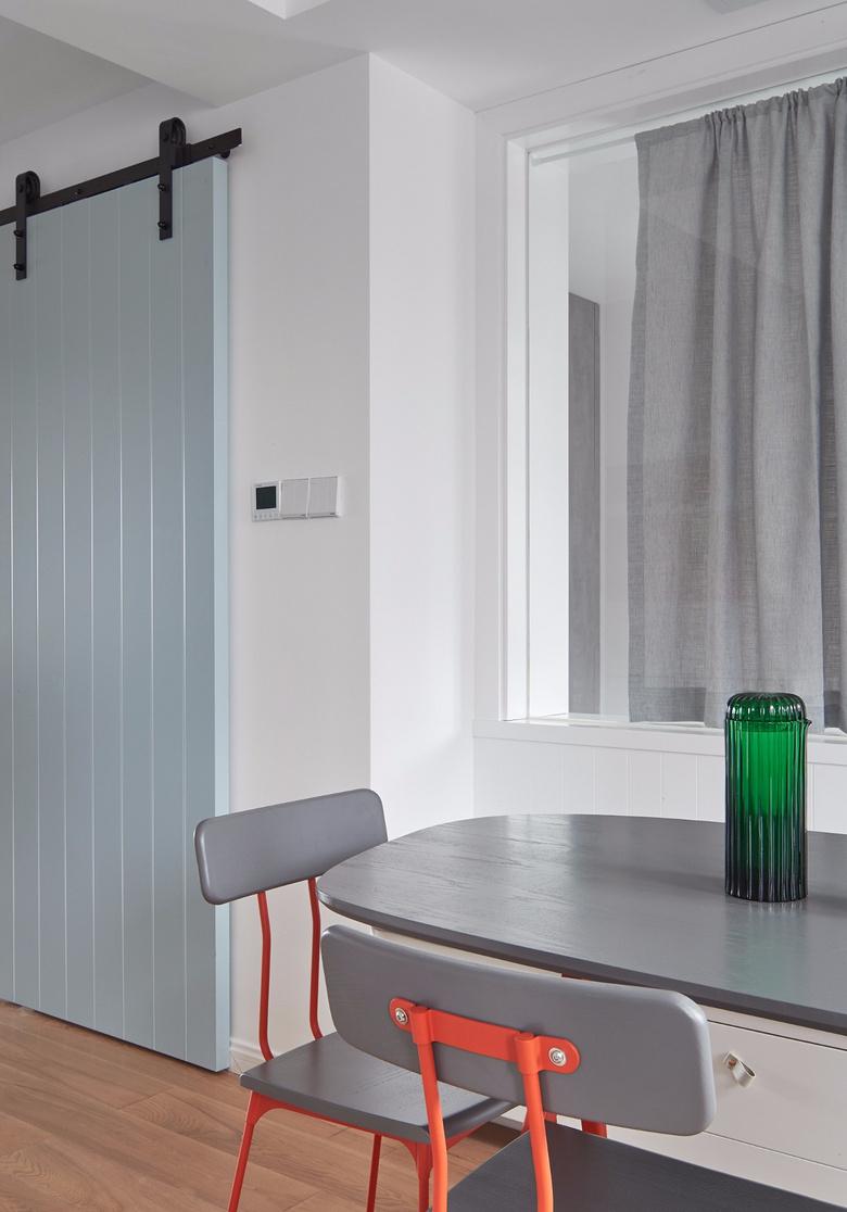餐厅图片来自家装大管家在80平北欧现代剧的分享