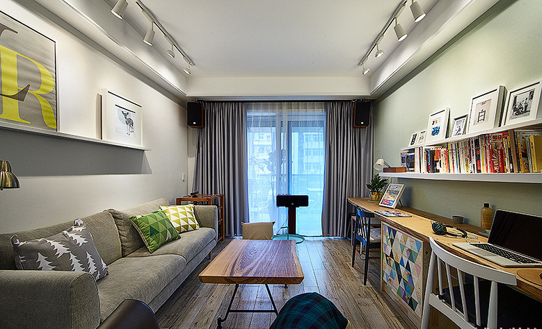 客厅图片来自家装大管家在89平情调北欧风居 沉稳又不张扬的分享