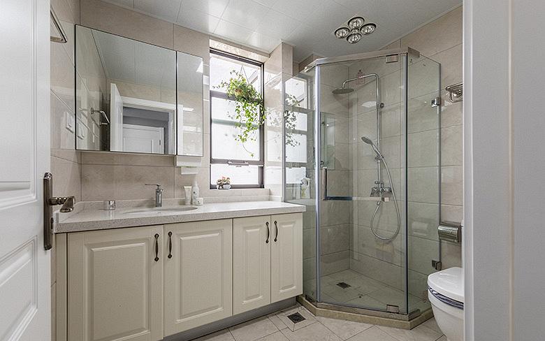 卫生间图片来自家装大管家在淡雅清新气质 125平简约美式3居的分享