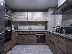 80后 现代简约 厨房 厨房图片来自重庆东易日盛装饰在寰宇天下138㎡现代轻奢设计的分享