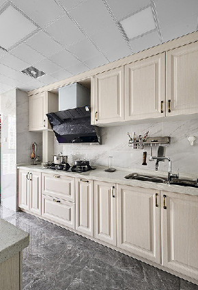 厨房图片来自家装大管家在舒适平淡 135平现代美式休闲3居的分享