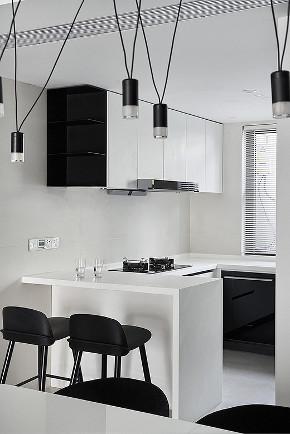 厨房图片来自家装大管家在165平现代极简空间 至简诠释大美的分享
