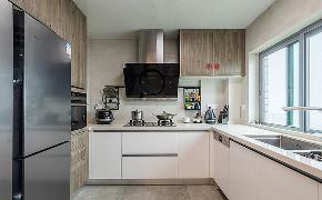 厨房图片来自家装大管家在化繁为简 160平简欧混搭雅致3居的分享