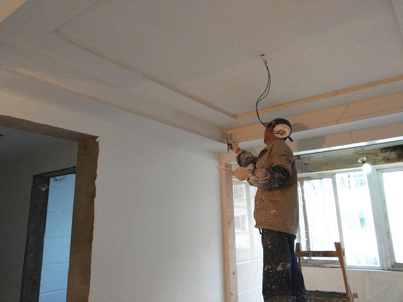 世纪东城工地油漆施工