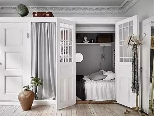 衣柜抠个洞,竟多出一间房?又是一波儿神操作!