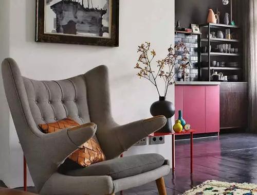 """德国艺术家历时3年打造""""小型豪宅"""",60㎡的家惊艳了时光!"""