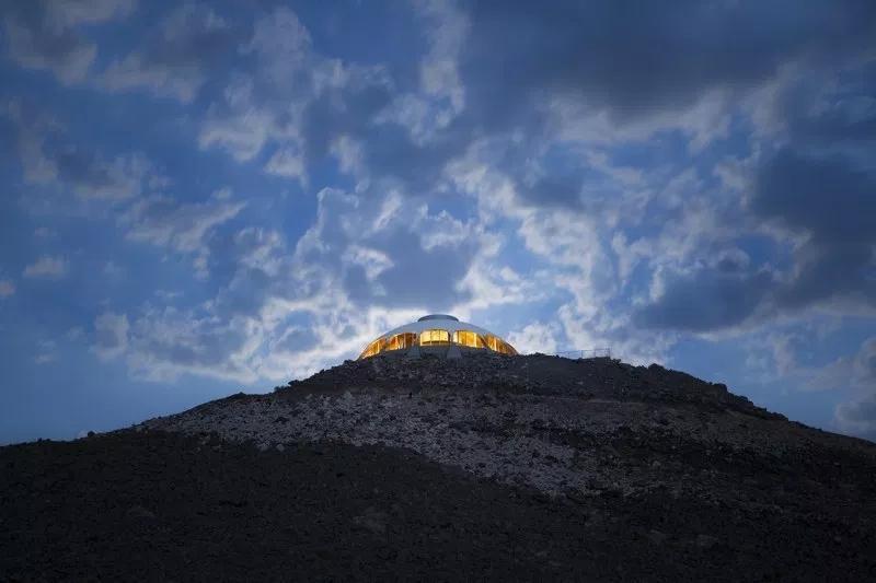 """沙漠中的世外桃源""""火山上的别墅"""""""