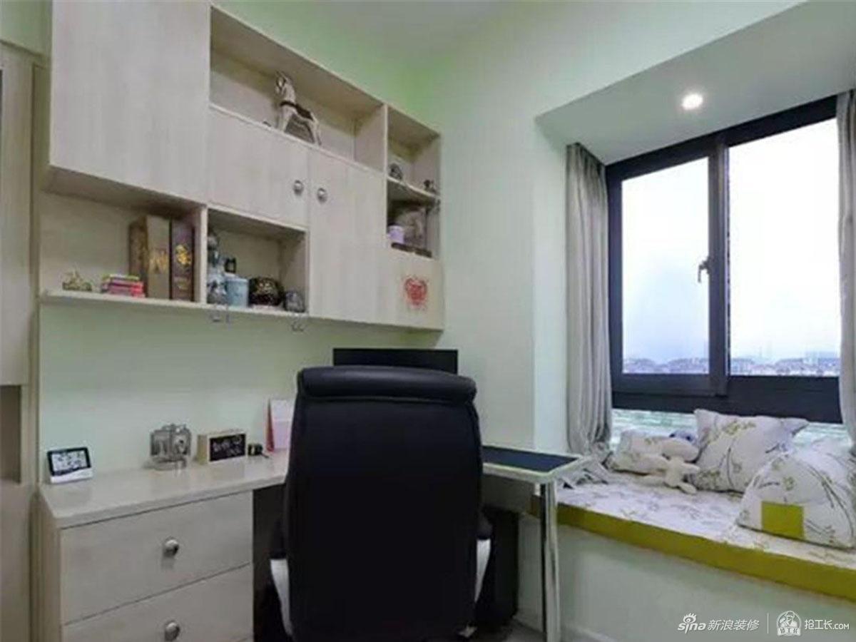 臥&nbsp室