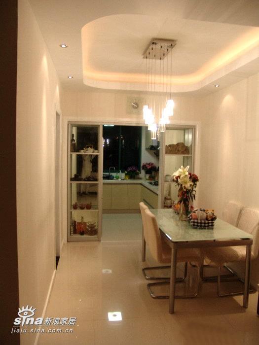 简约 三居 餐厅图片来自用户2738820801在三室两厅经典装修案例 甜蜜港湾绽放温馨233的分享