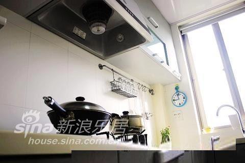 简约 一居 客厅图片来自用户2737735823在暖色温馨家49的分享