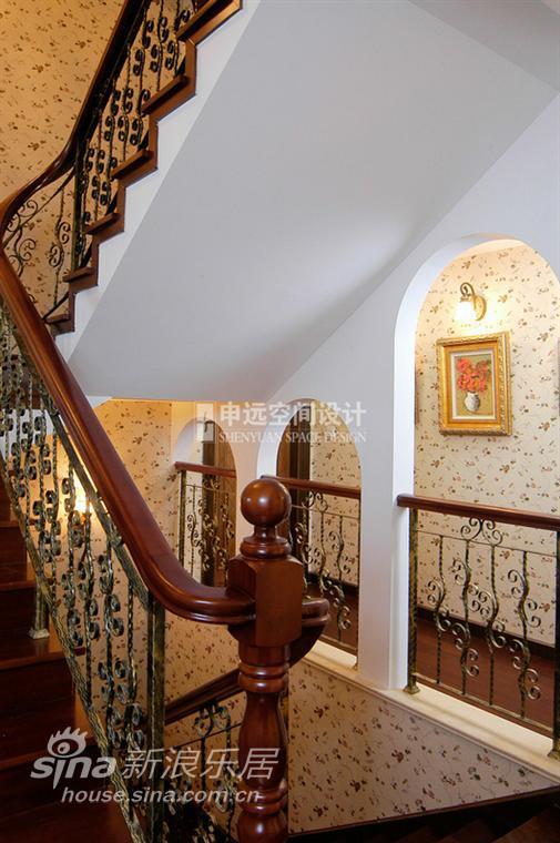 简约 别墅 客厅图片来自用户2739081033在棕榈滩别墅51的分享