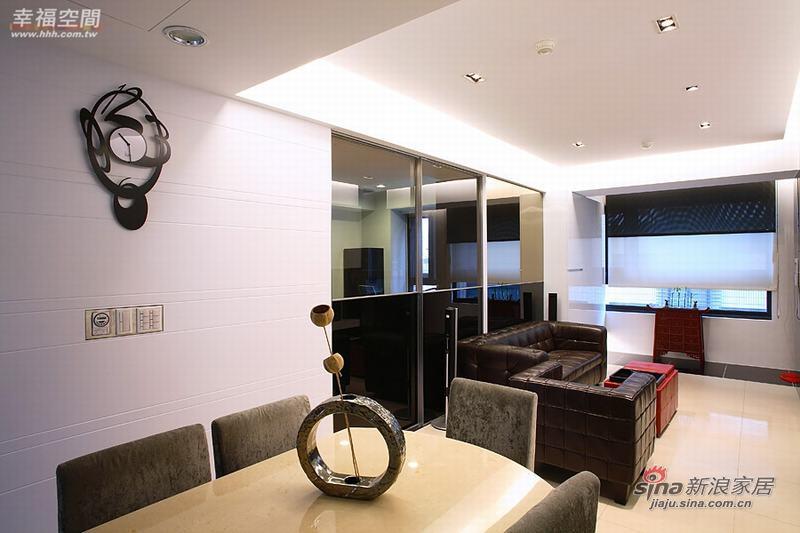 简约 二居 餐厅图片来自幸福空间在80平米黑白色调的简约2房2厅68的分享