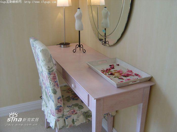 欧式 四居 卧室图片来自用户2772873991在英式风格田园家二12的分享
