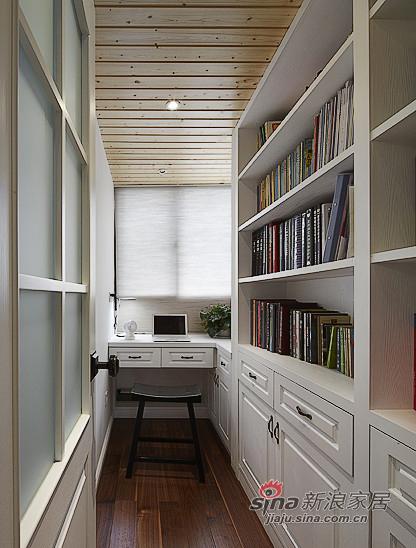 美式 三居 书房图片来自装修微日记在【高清】155平含蓄之道沉稳美式3居95的分享