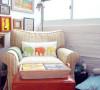 条纹的布艺沙发
