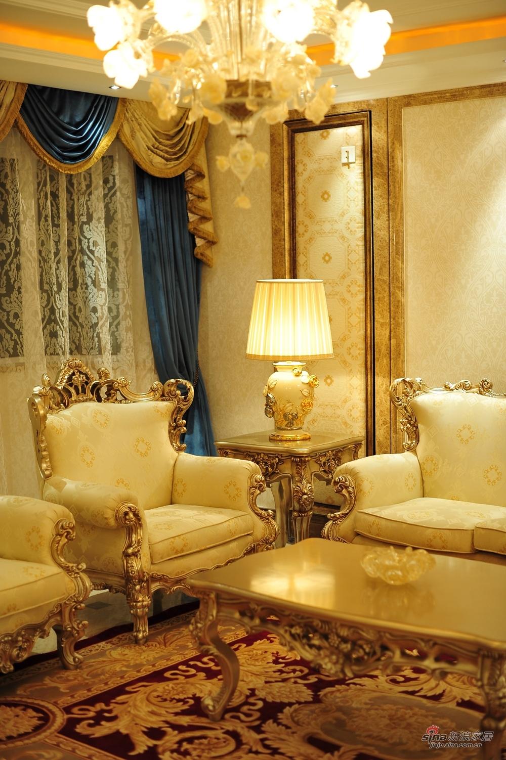 欧式 二居 客厅图片来自用户2746953981在3万打造九号公寓80平米欧式奢华两居97的分享