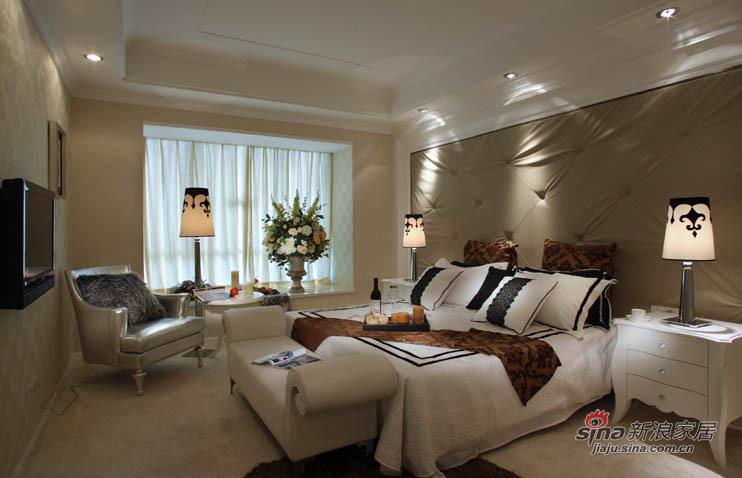 欧式 二居 客厅图片来自用户2772873991在6万精装78平欧式风唯美2居38的分享