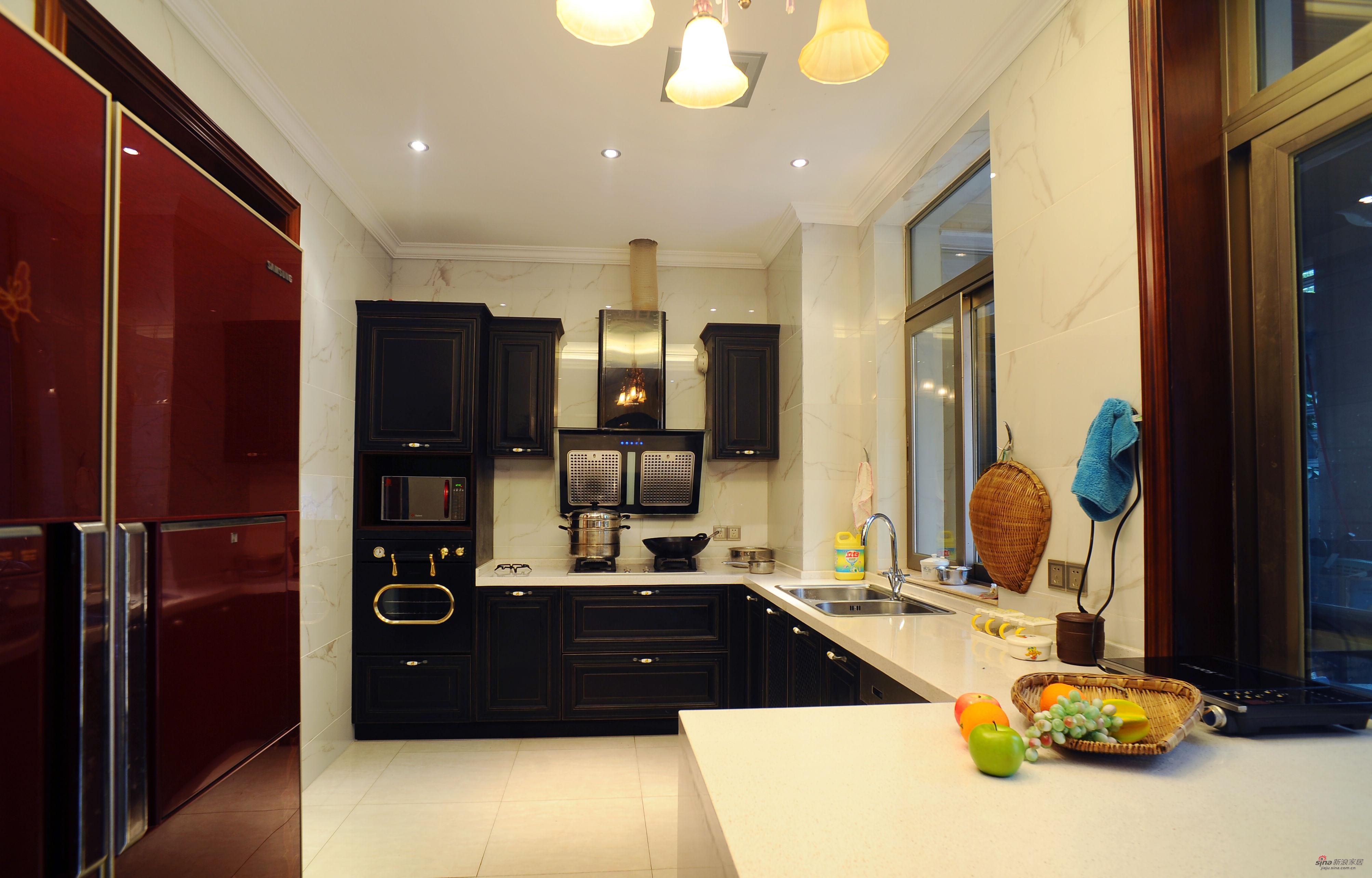 欧式 别墅 客厅图片来自用户2757317061在【高清】399平大别墅欧式风格大手笔78的分享