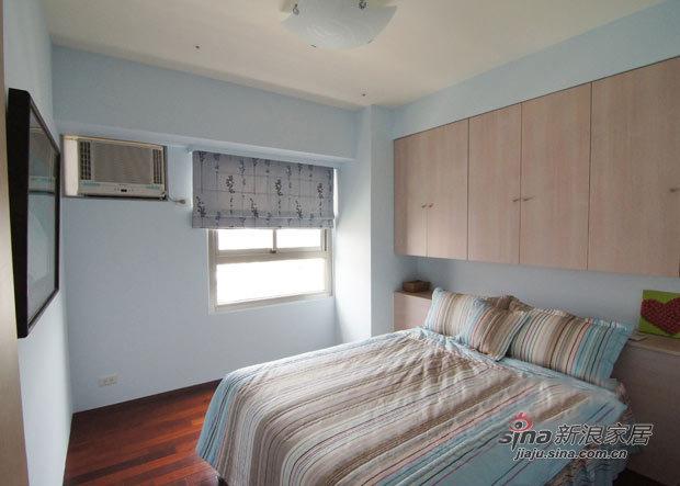 简约 二居 卧室图片来自用户2745807237在4.3万打造70平简约超强收纳2居31的分享