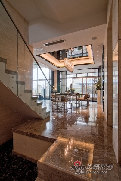 中式 别墅 楼梯图片来自用户1907659705在【多图】新潮中式风格55的分享