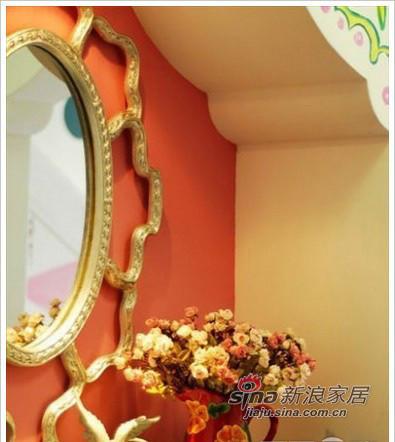 欧式复古风格的铜镜,是门口的穿衣镜