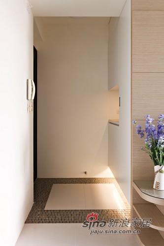 简约 三居 玄关图片来自用户2737759857在80平老房子也有春天73的分享