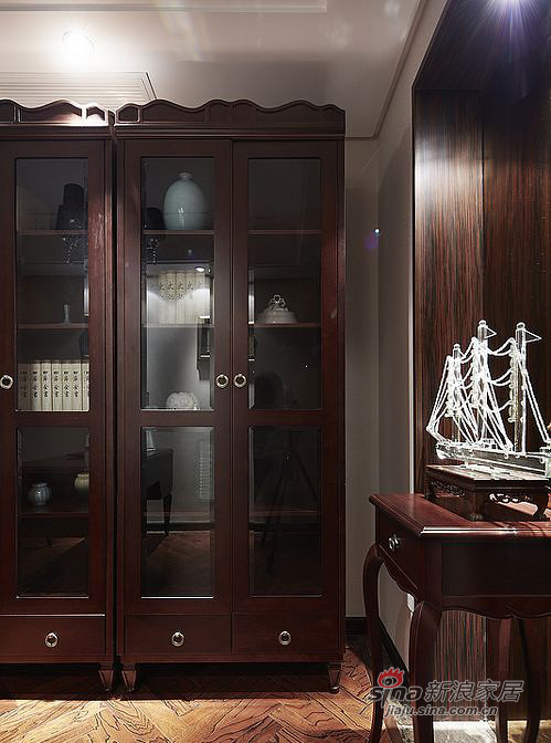 新古典 四居 书房图片来自装修微日记在【高清】161平古典韵味时尚4居室93的分享