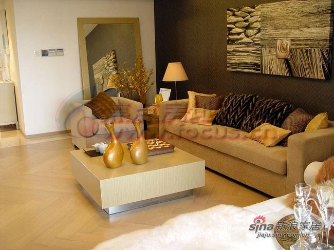 欧式 二居 客厅图片来自用户2772856065在简约主义梦幻家2居85的分享