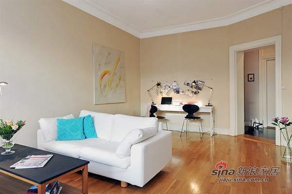 简约 二居 客厅图片来自用户2737950087在3.7万巧装63平白色浪漫2居31的分享