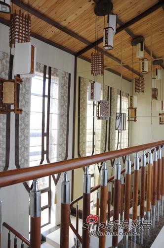 中式 别墅 楼梯图片来自用户1907659705在【高清】226平新中式风格大气家90的分享