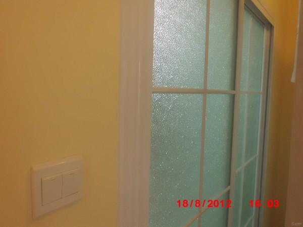 客厅门装修后