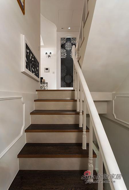 新古典 别墅 楼梯图片来自用户1907664341在檀香山200平新古典主义优雅别墅设计84的分享
