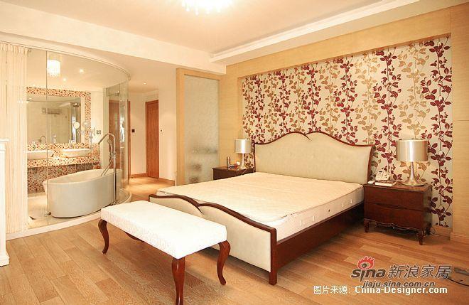 欧式 跃层 卧室图片来自用户2745758987在三代同堂15万装250平温情欧式跃层73的分享