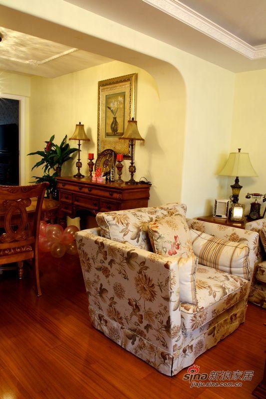 简约 二居 客厅图片来自用户2739081033在另70后钟情的美式简洁生活空间94的分享