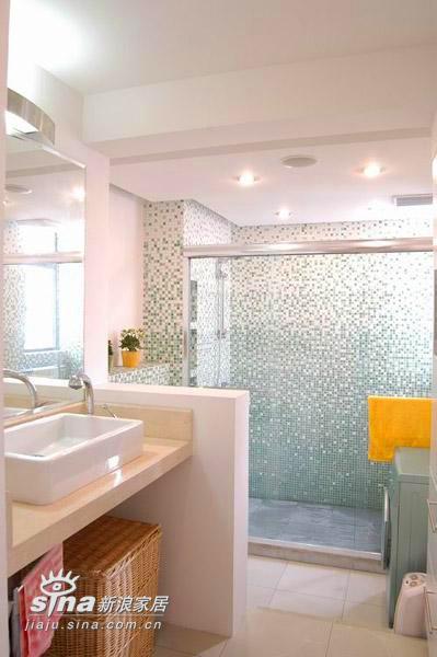 简约 三居 卫生间图片来自用户2738820801在清新淡雅中透豪华 20万打造我的三居室45的分享