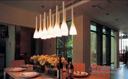 简约 别墅 餐厅图片来自用户2738845145在红色幽雅的现代简约私宅95的分享