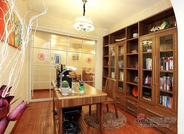 简约 三居 书房图片来自用户2739153147在8万营造90平原木色3居婚房37的分享