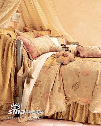 欧式 其他 卧室图片来自用户2745758987在八间欧洲宫廷奢华私密卧室76的分享