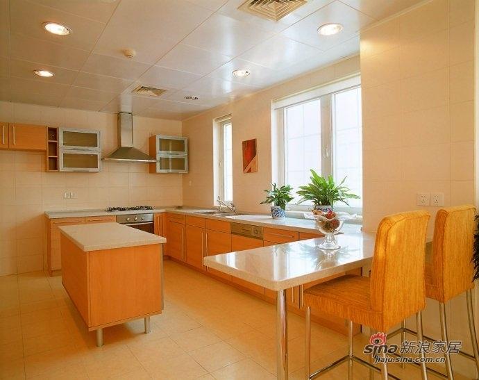 欧式 loft 厨房图片来自用户2772856065在168平金色漫香苑尽演欧美风情美家47的分享