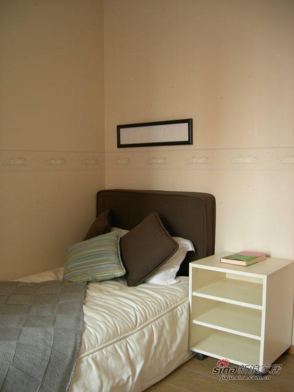 简约 二居 客厅图片来自用户2739378857在细节连贯整体不俗两居87的分享
